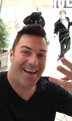Brian Roxxy Bond make up magician